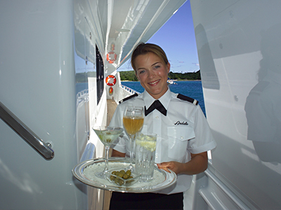 superyacht-stewardess